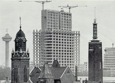 1950 Bouw van de Medische Faculteit. ( vond haar oorsprong in de Stichting .klinisch Hoger Onderwijs om artsen op te leiden).
