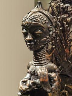 Maternity Figure Luluwa Democratic Republic of Congo Mid-Late 19th century CE Wood | von mharrsch