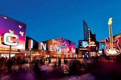 Universal CityWalk - Universal Studios (CA): Just outside the entrance of Universal Studios, CityWalk's 30-plus eateries include Wolfgang Puck Bistro, Hard Rock Cafe, Buca di Beppo and Bubba Gump Shrimp Co. Go shopping, bowling, indoor skydiving & more!
