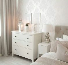 In several dormitories Ikea bedrooms are happy to be viewed, as they give numerous answers for a stylish bedroom facility. The considerable range of Swedish bedroom furniture also offers useful space Bedroom Corner, Ikea Bedroom, Room Decor Bedroom, White Chest Of Drawers, White Chests, Boho Chic Bedroom, Home And Deco, Bedroom Styles, Home Staging