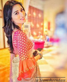 Skirt Design Frill Ideas For 2019 Silk Saree Blouse Designs, Fancy Blouse Designs, Blouse Neck Models, Stylish Blouse Design, Trendy Sarees, Designer Blouse Patterns, Indian Designer Outfits, Lahenga, Blouses