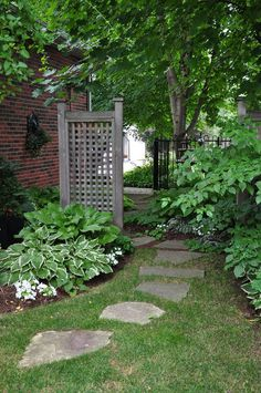 Side Yard Garden Design Ideas: Beautiful Gardens And Landscape Design Lawn And Garden, Garden Paths, Herb Garden, Vegetable Garden, Back Gardens, Outdoor Gardens, Small Gardens, Small Courtyard Gardens, Modern Gardens