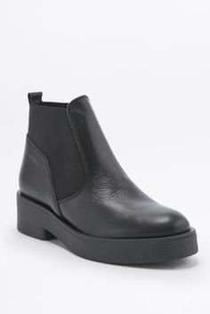 Nicola Black Leather Chelsea Ankle Boots - Urban Outfitters