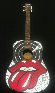 Rolling Stones Mosaic Art Guitar by on Etsy Mosaic Diy, Mosaic Crafts, Mosaic Projects, Stained Glass Designs, Stained Glass Projects, Stained Glass Art, Stone Mosaic, Mosaic Glass, Fused Glass