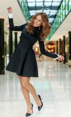 Sette eğlenceler ve Burçinimiz Cool Outfits, Fashion Outfits, Womens Fashion, She's A Woman, Hips Dips, Turkish Beauty, Turkish Actors, Celebs, Celebrities