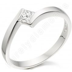 PD208/9W - 9ct white gold twist ring with a princess cut diamond in a tension setting