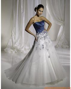 Robe A-ligne avec traîne balayée en satin et organdi décorée de plis et de broderies robe de mariée bleu