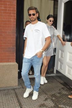 Discover exactly what clothes Scott Disick is wearing. Casual Wear, Casual Outfits, Men Casual, Fashion Outfits, Men Street, Street Wear, Scott Disick Style, Stunning Women, Poses