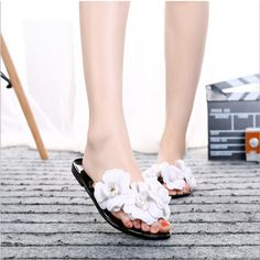 2016 New Summer Fashion Hot Women Sandals Slippers Shoes Toe Sandals Female Small Incense Flowers Beach Sandals Flip Flops