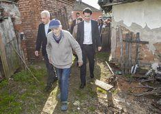 Außenminister Kurz und Caritas-Präsident Michael Landau mit KURIER AID AUSTRIA auf Serbien-Besuch (Serbien, 08.10.2014, Foto: Jeff Mangione) #Hochwasserhilfe