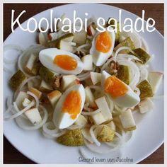 Knapperige koolrabi salade Eet jij geen brood? Wat eet je dan? Ik weet niet meer hoe vaak ik deze vraag al heb gekregen. Leuk hoor zo'n vraag met een heel makkelijk antwoord: een salade. Ja maar wat d