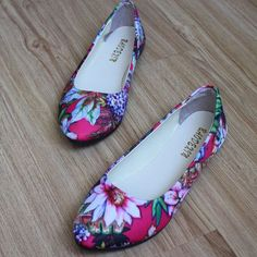 Big Size Floral Print Color Match Pointed Toe Slip On Flat Shoes