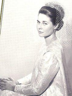 Princess Isabelle, Countess of Schönborn-Buchheim Newer Older September 10, 1964: Wedding of Count Friedrich Karl of Schönborn-Buchheim and Princess Isabelle of Orléans in Dreux, France