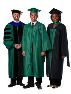 Master's Degree Gown Senior Pictures Hairstyles, Senior Pictures Boys, Senior Picture Props, Senior Picture Outfits, Graduation Regalia, Graduation Gowns, Masters Degree Graduation, Boho Outfits, Summer Outfits