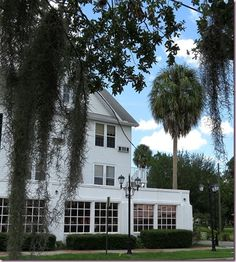 The Historic Crown Hotel in Inverness, FL.