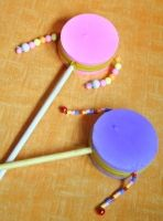 Rotary drum (apes fright) Source by Fun Crafts For Kids, Diy For Kids, Easy Crafts, Activities For Kids, Diy And Crafts, Music Instruments Diy, Drums For Kids, Nativity Crafts, Camping Crafts