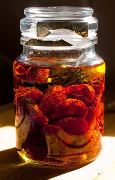 10 Uncommon Ways to Eat Tomatoes e.g. Roasted Tomatoes & Rosemary in Oil ... #healthy #recipe