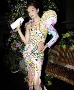 Bella Hadid, Gigi Hadid, Fashion Models, Fashion Show, Fashion Bella, Most Beautiful, Beautiful Women, Backstage, Female Models