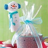Marshmallow Snowman Treats  #countrywoman #merrychristmas