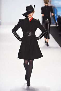[PICS] 'Project Runway' Fashion Show — Season 11 Winner At New York Fashion Week - Hollywood Life