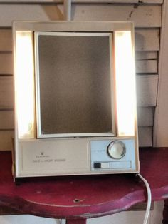 Vintage Clairol True to Light Lighted Make Up Mirror Two Sided Magnify LM1 Works #Clairol
