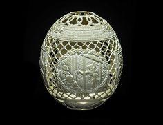 artist gil batle carves 20 years of prison life onto egg shells