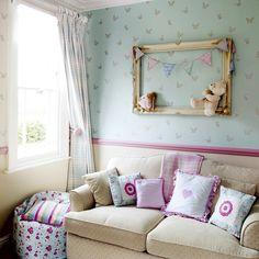 Pastel-coloured child's bedroom | Traditional children's room ideas | ADORO ESTA DECORACION, LOS COLORES, LOS ESPAMPADOS DE LAS TELAS Y PAPEL DE LA PARED, TODO! | 25 Beautiful Homes | Housetohome.co.uk