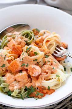 Easy Pasta Recipes, Crockpot Recipes, Chicken Recipes, Dinner Recipes, Shrimp Recipes, Salmon Recipes, Potato Recipes, Salmon With Cream Sauce, Salmon Sauce