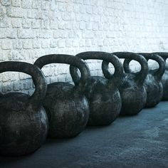 Don't set yourself up for injury by holding the kettlebell wrong.