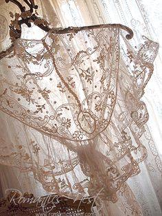 러플&러플 로맨틱하게 아름답게..탕부르 레이스 숄....