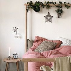 Home Decoration For Small House Ikea Inspiration, Bedding Inspiration, Bedroom Nook, Boho Bedroom Decor, Bedroom Vintage, Interior Rugs, Home Interior Design, Dark Interiors, Bedroom Green