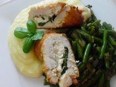 Das perfekte Hähnchenbrustfilet, gefüllt mit Schafskäse, Basilikum und Parmesan, dazu grüne Bohnen-Rezept mit einfacher Schritt-für-Schritt-Anleitung:…