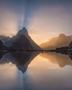 Milford Sound, New Zealand by @mthrworld •