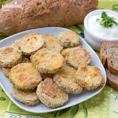 """Dovleceii pane sunt o mancare """"as romaneasca as can be"""" :D Deci am considerat Read more. Baked Breaded Zucchini, Zucchini Crisps, Zucchini Bread, Romanian Food, Lidl, Yogurt, French Toast, Gluten, Potatoes"""