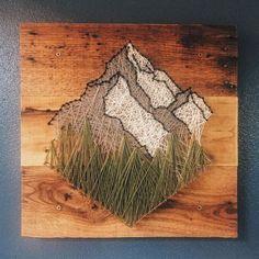 modèle de décoration murale fait main à partit de planche de bois foncé et… - #diy