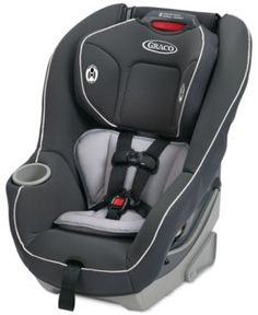 The versatile Graco The Contender car seat grows with your little one, accommodating your rear-facing infant and converting into a forward-facing toddler seat. The crash-tested car seat is packed with