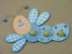 imagenes de perchas decoradas - Buscar con Google Foam Crafts, Wooden Crafts, Arts And Crafts, Decoupage Furniture, Decoupage Box, Diy Mothers Day Gifts, Diy Gifts, Wood Projects, Projects To Try