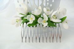 Bridal flower comb -  snowdrops flower. Flower hair comb. Spring hair flower. Bridal hair comb. Wedding flower comb. Bridal hair flower