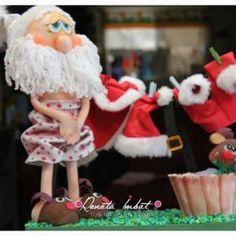 Papá Noel Fofucho en calzones con moldes Christmas Deco, Christmas Crafts, Xmas, Christmas Ornaments, Birthday Candles, Flora, Santa, Holiday Decor, Yorkshire