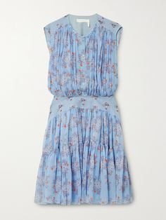 Chloé's breezy, feminine dress is one of our top pieces of the season. It's made from fluid silk-georgette printed with pretty florals and has a smooth panel at the waist that contrasts with the gathered bodice and tiered skirt. Leave a few buttons undone for a more relaxed feel and style it with neutral sandals. Neutral Sandals, Dress Outfits, Fashion Dresses, Chloe Clothing, Blue Dresses, Summer Dresses, Feminine Dress, Catwalk, Floral Prints