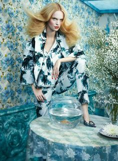 Luisa Bianchin, German model by Sandrine Dulermo and Michael labica for GLAMOUR Italia April 2015 Floral Fashion, Fashion Art, Editorial Fashion, High Fashion, Fashion Beauty, Fashion History, Ladies Fashion, Editorial Photography, Fashion Photography