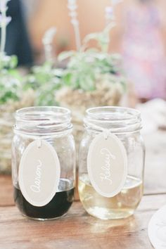 kraft paper name tags for drinks I have seen hall board stickers used too.   It would be perfect for brunch!! And hey we can use the mason jars afterwards