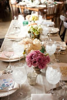 linen napkins, fresh flowers, and ice water. sounds like spring.