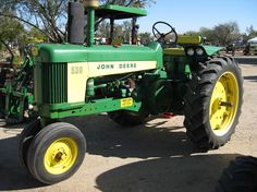 John Deere two cylinder model 530 with tricycle front end