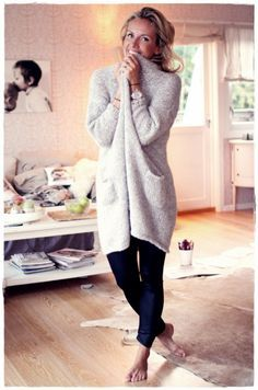 Kanskje enda finere i en friskere farge? Fall Outfits, Casual Outfits, Cute Outfits, Winter Wear, Autumn Winter Fashion, Cold Weather Outfits, Knit Cardigan, Chunky Cardigan, Sweater Weather