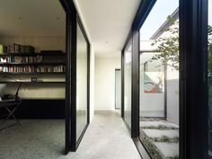 Image 3 of 12 from gallery of Harcourt / Steve Domoney Architecture. Photograph by Derek Swalwell Architects Melbourne, Residential Architect, Commercial Architecture, Modern Architecture, Street House, Minimalist Interior, Home Decor Inspiration, Great Rooms, Indoor Outdoor