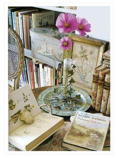 Botanical bookshelf