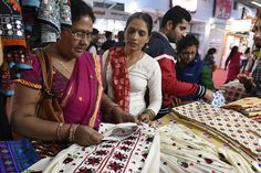 The Weekly Rundown: Major Disputes Over India's Freedom Fabric Khadi - http://hddls.co/2lV2DDq