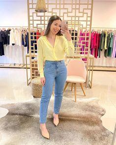 """L O R E T T A S T O R E 🛍 no Instagram: """"CAMISA + JEANS é o combo indispensável no armário⚡️arrasta para o lado e veja as cores disponíveis da nossa Camisa Linho perfeita 🤍 E a…"""""""