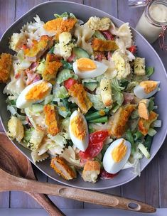 Caesar salade Caesar salade - Tasty Food SoMe Good Healthy Recipes, Healthy Snacks, Plats Healthy, Diner Recipes, Amish Recipes, Dutch Recipes, Snacks Saludables, Good Food, Yummy Food